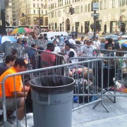 Apple iPhone 4 lines, not that bad